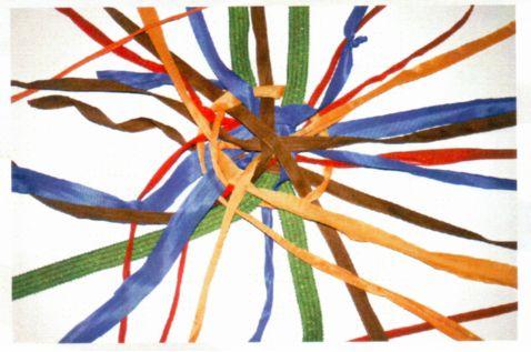 Netz aus bunten Riemen