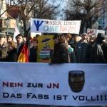 Demonstration, mehrere Banner, Nein zur JN - Das Fass ist voll!; Besser Leben ohne Nazis,...